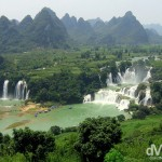 An overview of the impressive Ban Gioc / Detian Falls straddling the Sino-Vietnamese border near Shuolongzhen, southwest China. September 2, 2005.