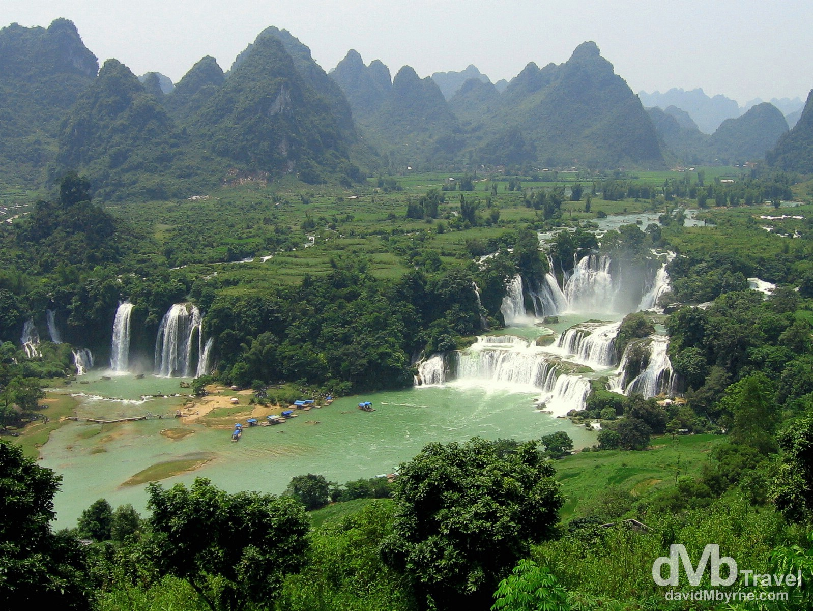 An overview of the impressive Detian Falls (Ban Gioc) straddling the Sino-Vietnamese border. September 2, 2005.