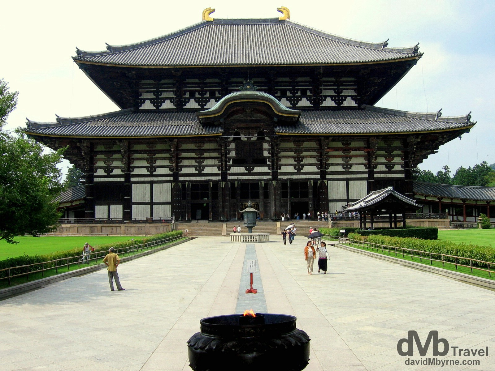 The largest wooden building in the world, the Great Buddha Hall of the Todai-ji is a Buddhist temple complex in Nara, Honshu, Japan. July 20th 2005.