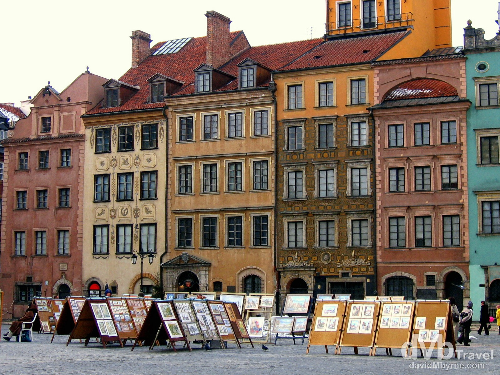 The varying colours of an outdoor art market in Old Town Square, Old Town, Warsaw, Poland. March 5th 2006.