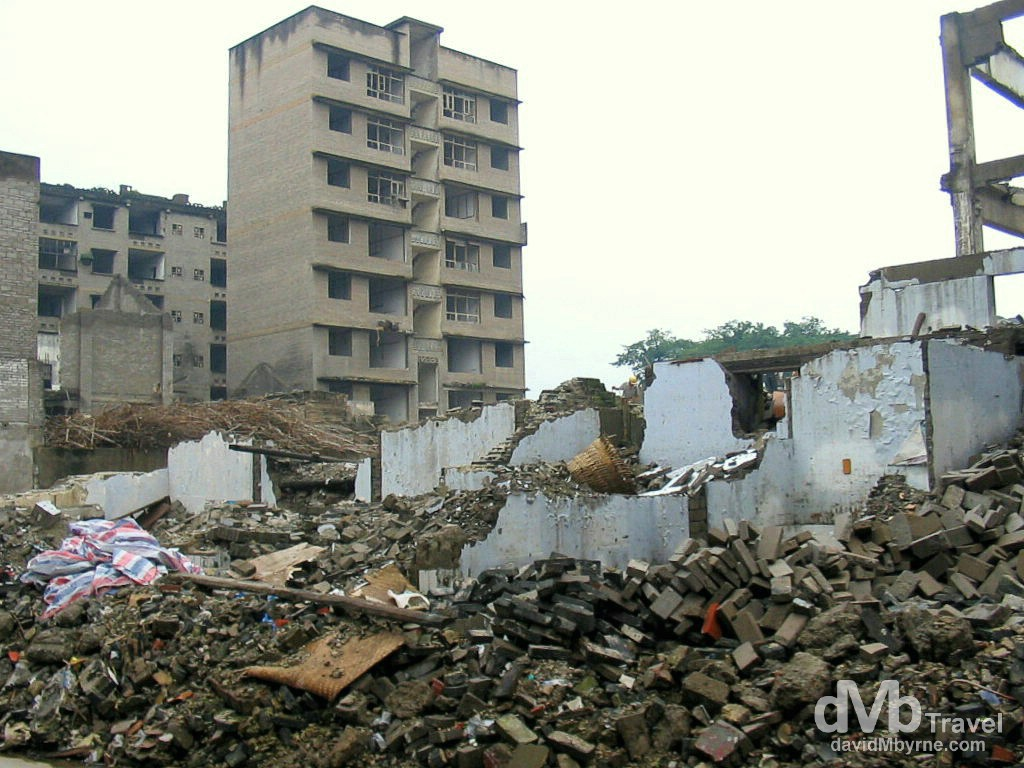 Dismantling of Fengdu Ghost City on the north bank of the Yangtze River in Chongqing municipality, China. September 26th, 2004.