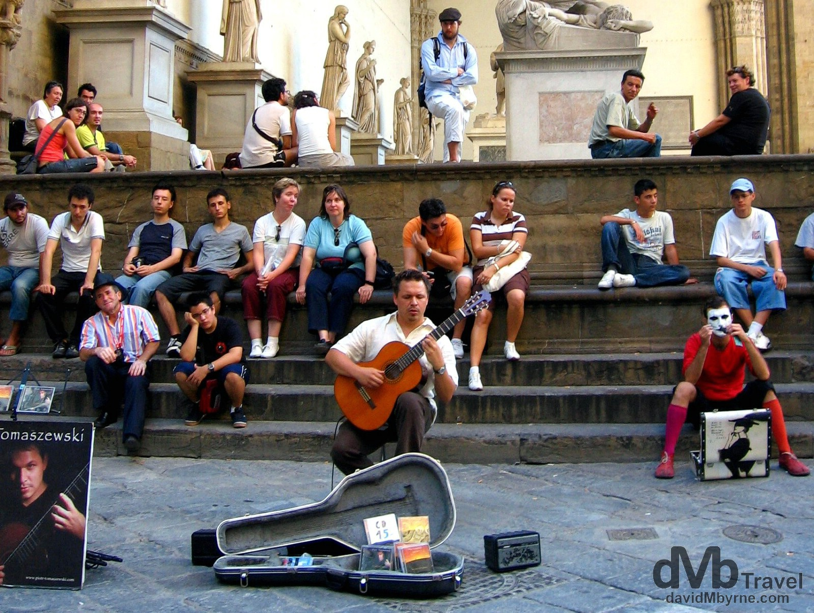 Street performers Piazza della Signoria, Florence, Tuscany, Italy. August 28th, 2007.