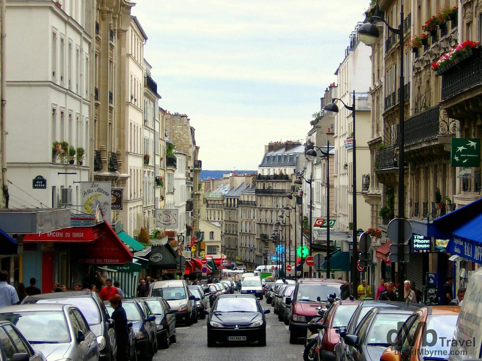 Rue Lepic, Pigalle, Paris, France. August 17th, 2007.