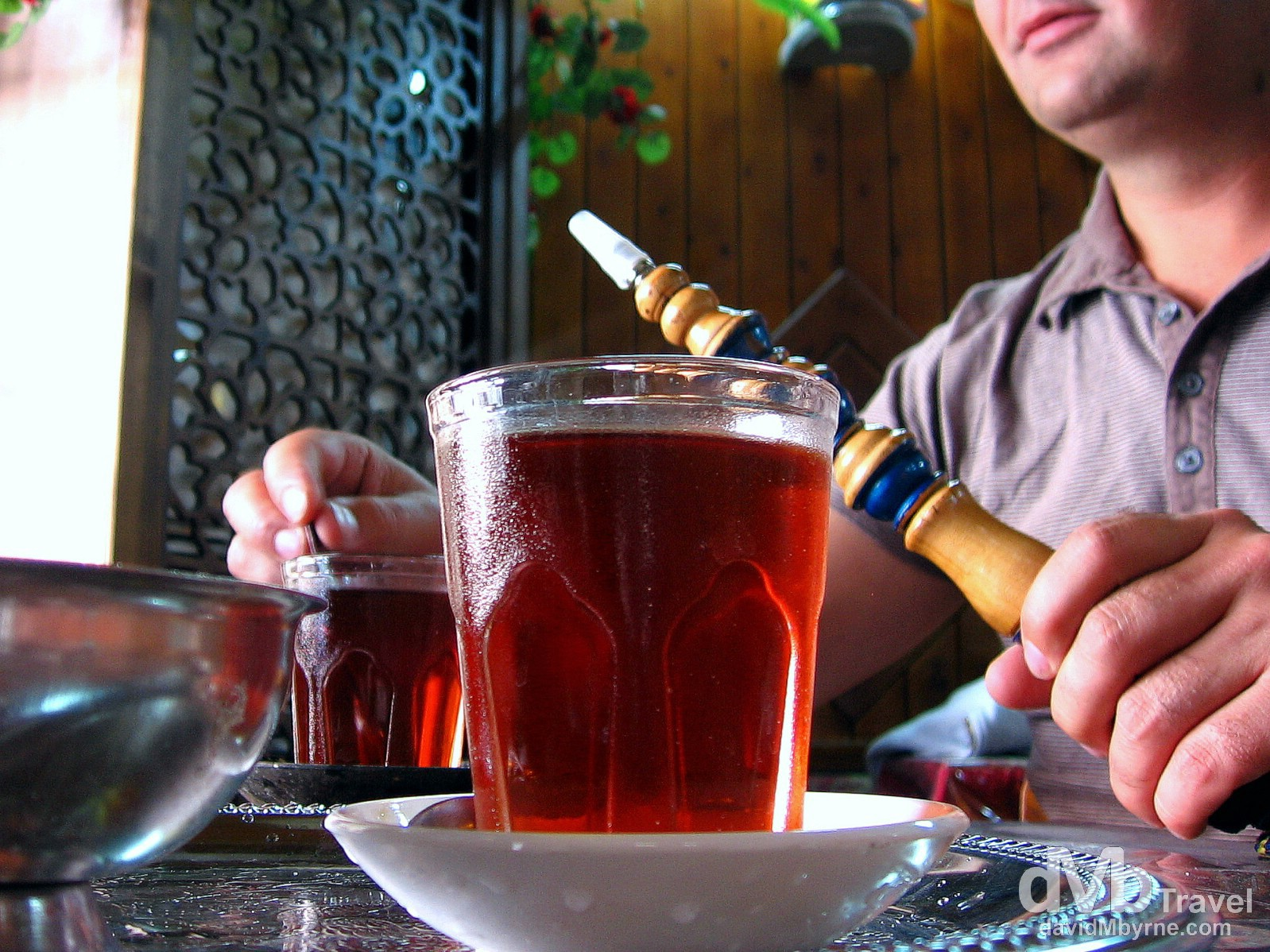 Tea & sheesha/hookah in a cafe in Damascus, Syria. May 4, 2008.
