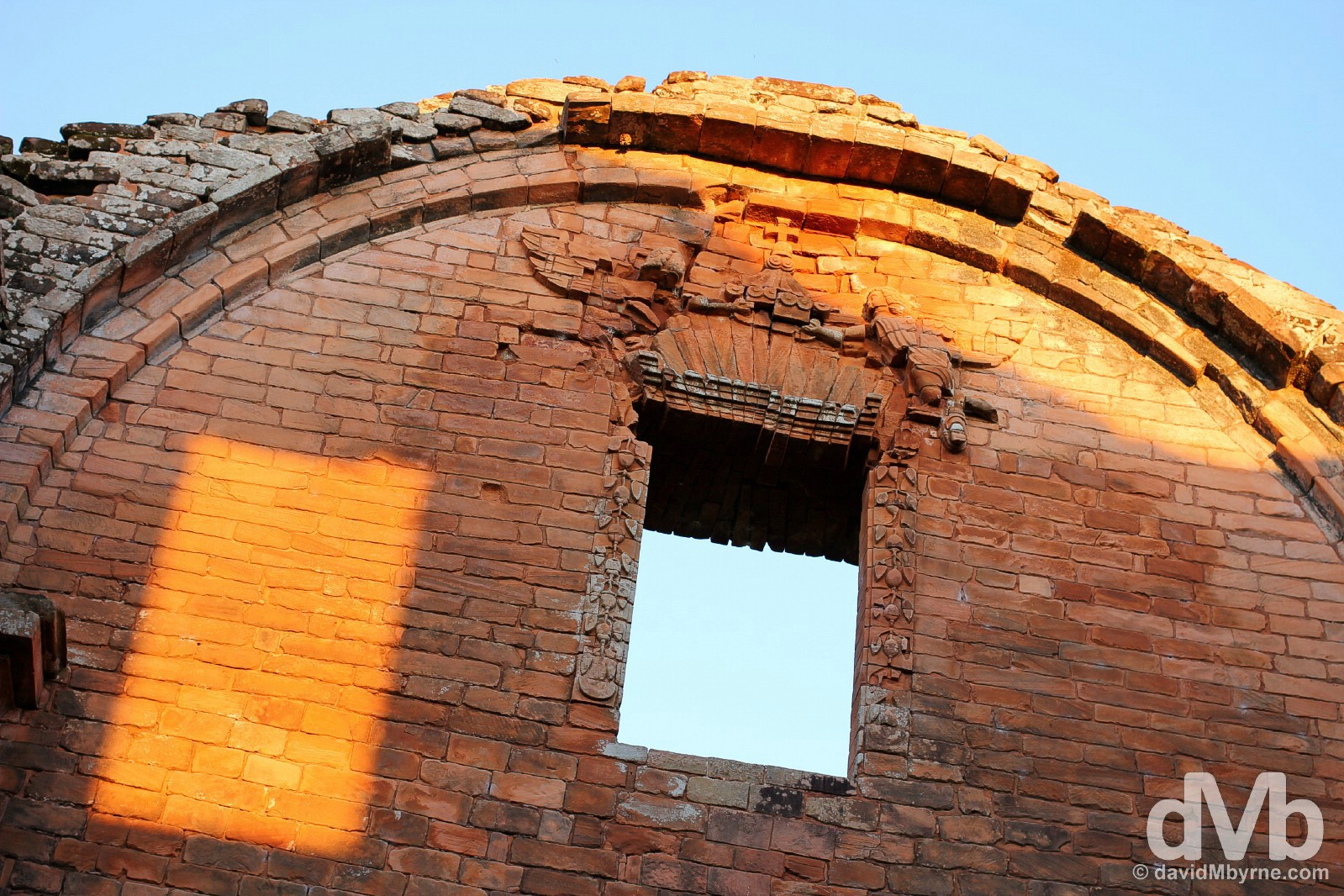 Sunset on a section of the upper walls of the Igelsa Mayor in the Jesuit Mission of La Santísima Trinidad de Paraná in southern Paraguay. September 14, 2015.