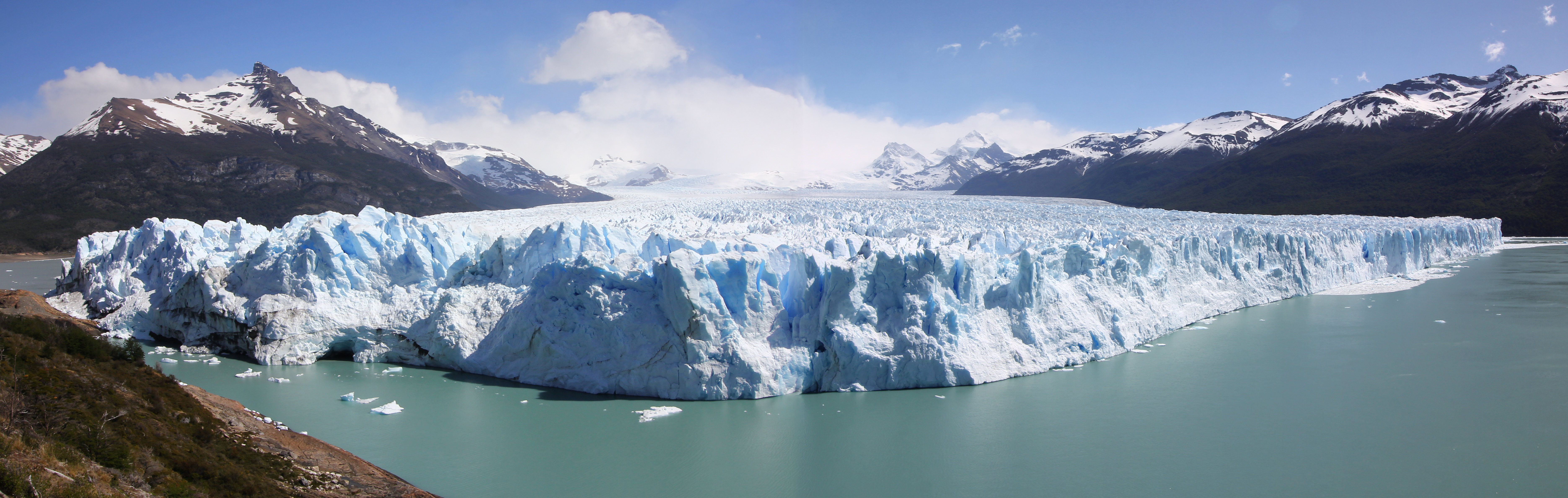 A panorama of the 5 kilometre-wide, 60 metre-high front face of the Perito Moreno Glacier in Lago Argentino, Parque Nacional Los Glaciares, Patagonia, Argentina. November 2, 2015.