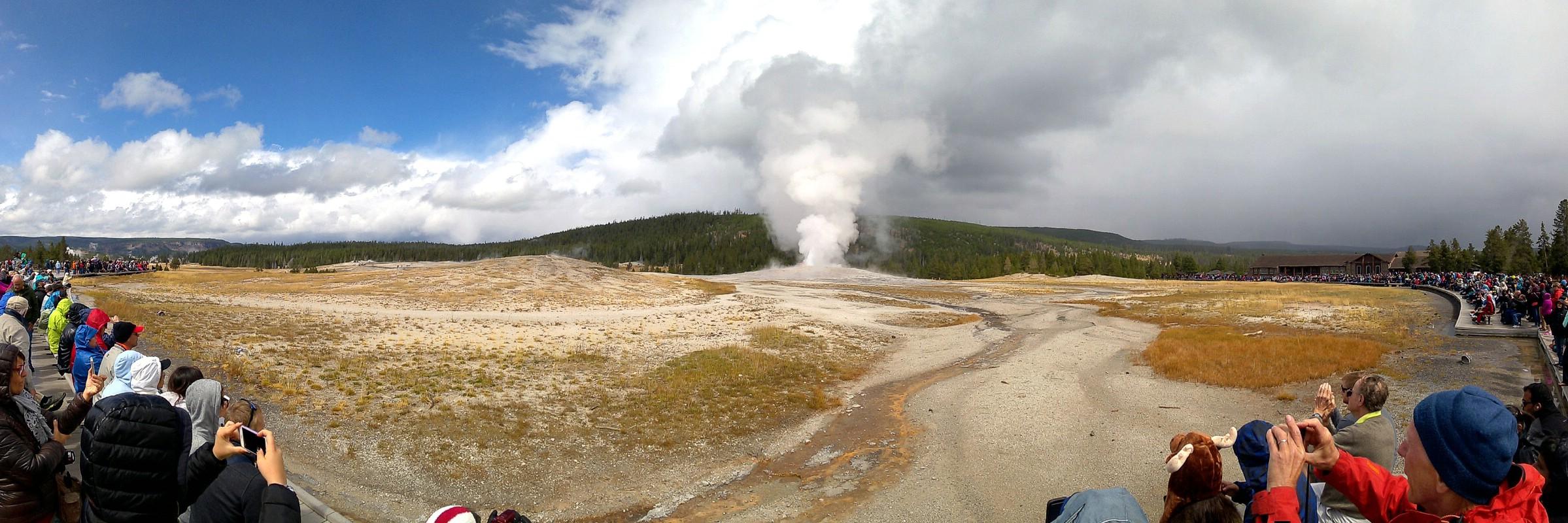 Old Faithful, Upper Geyser Basin, Yellowstone National Park, Wyoming, USA. September 5, 2016.