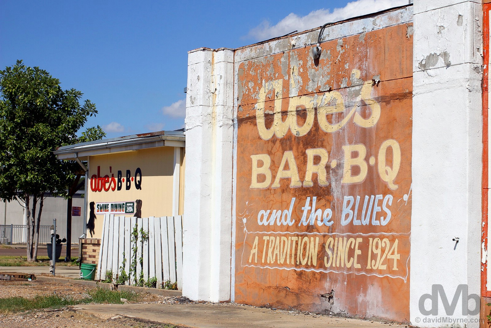 Abe's Bar.B.Q. Swine Dining since 1924. Clarksdale, Mississippi, USA. September 19, 2016.