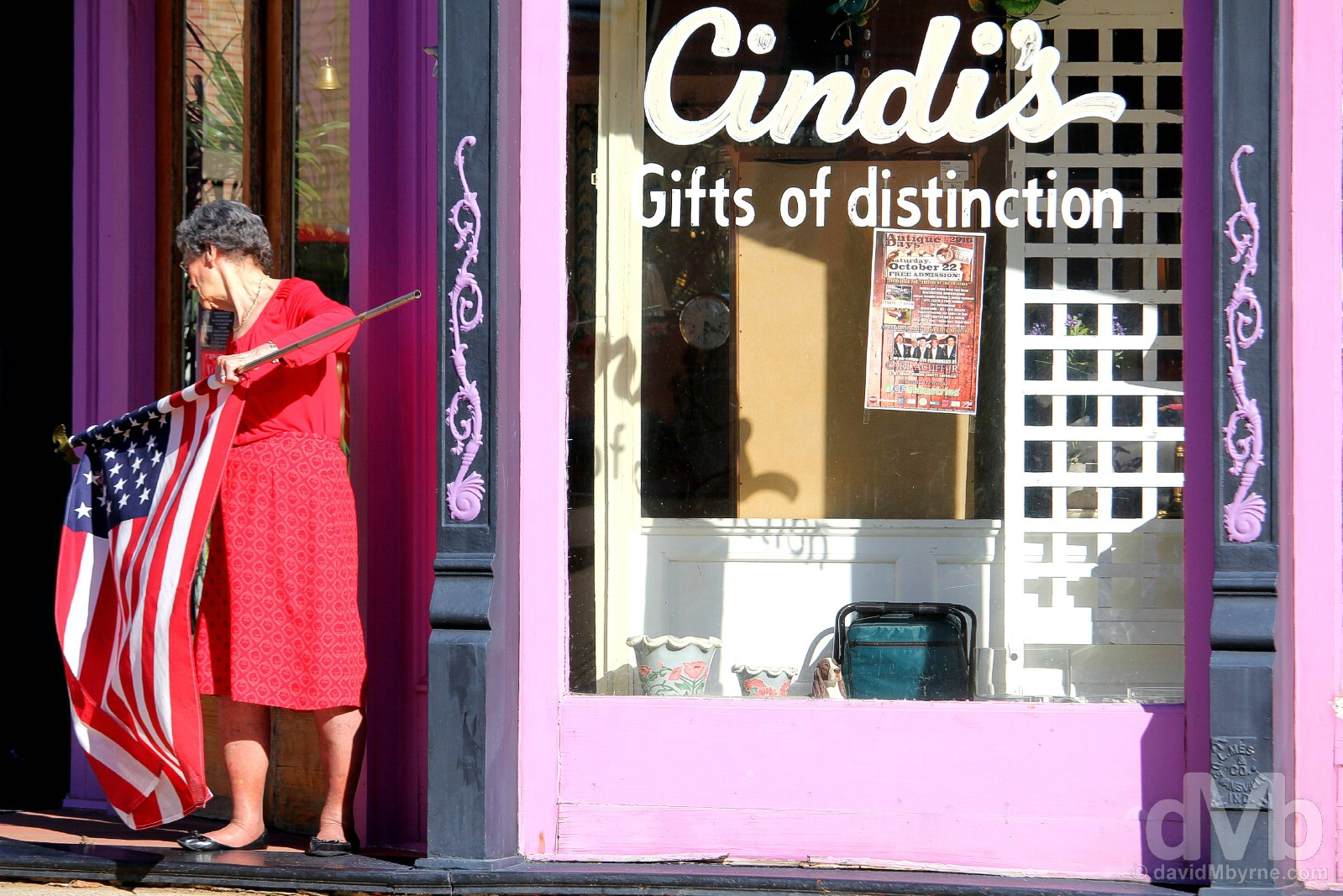 Cindi's, Gifts of distinction. Main Street Yazoo City, Mississippi, USA. September 19, 2016.