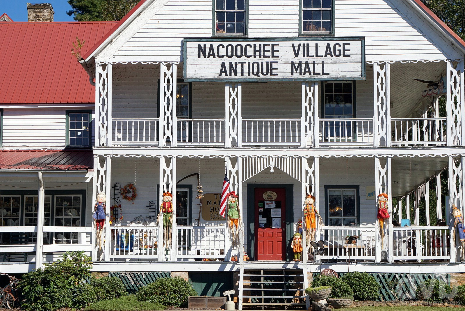 Nacoochee Village Antique Mall, outside Helen, White County, northern Georgia, USA. September 22, 2016.