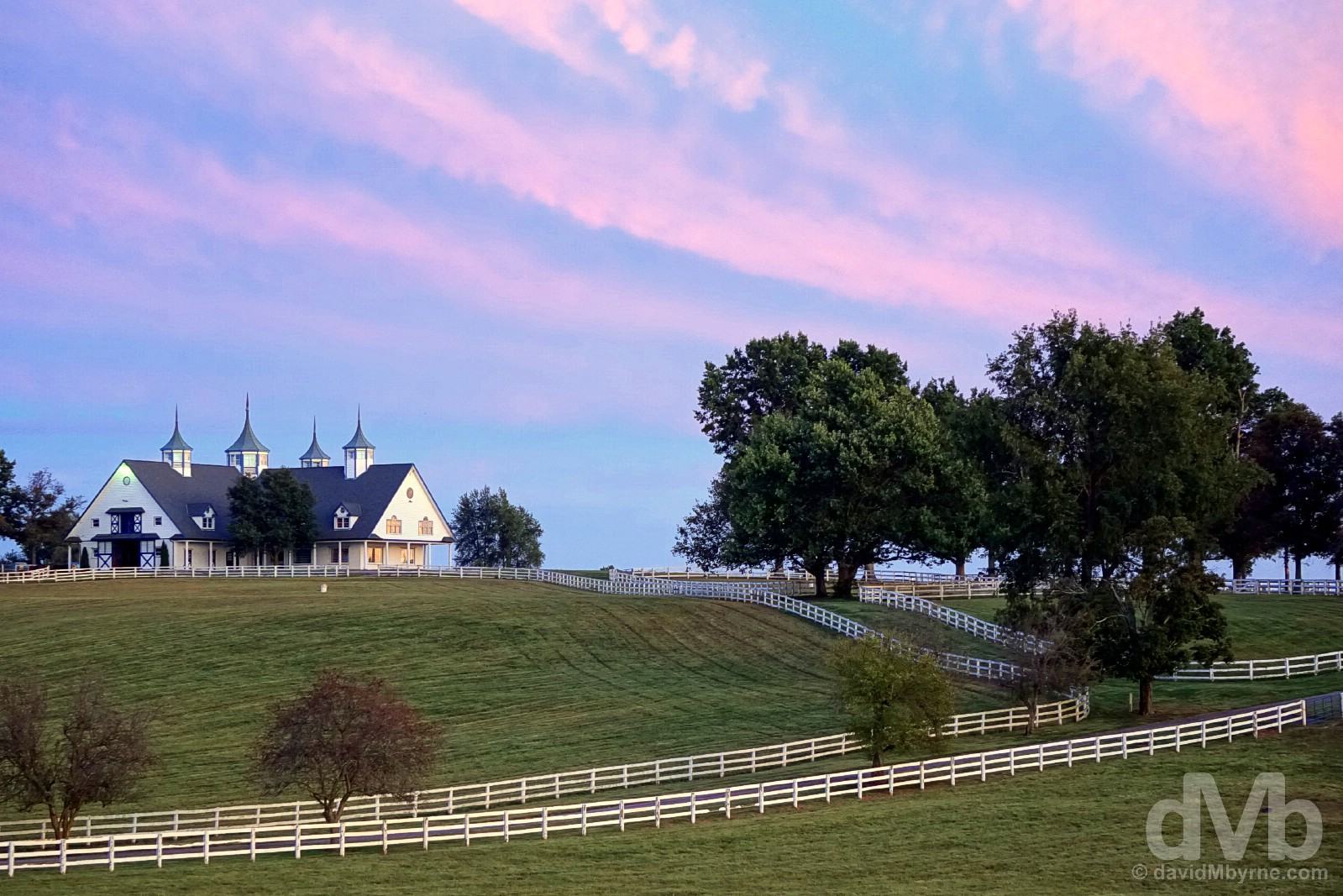 Dusk at the Manchester Farm in horse country on the outskirts of Lexington, Kentucky, USA. September 26, 2016.