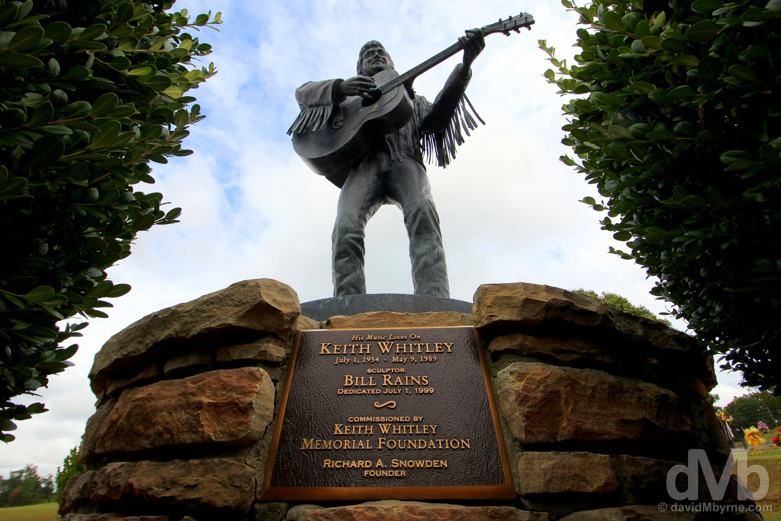 The Keith Whitley statue in the graveyard in Sandy Hook, Elliott County, Kentucky, USA. September 26, 2016.